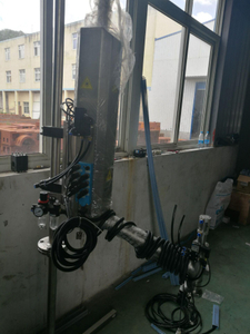 Liquid nitrogen dosing machine for bottles and cans