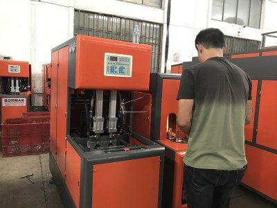 test semi-automatic PET bottle blowing machine